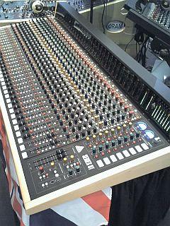 studiopult.jpg