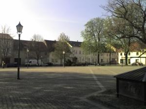 marktplatz in altlandsberg - wo sind die jugendlichen?!?
