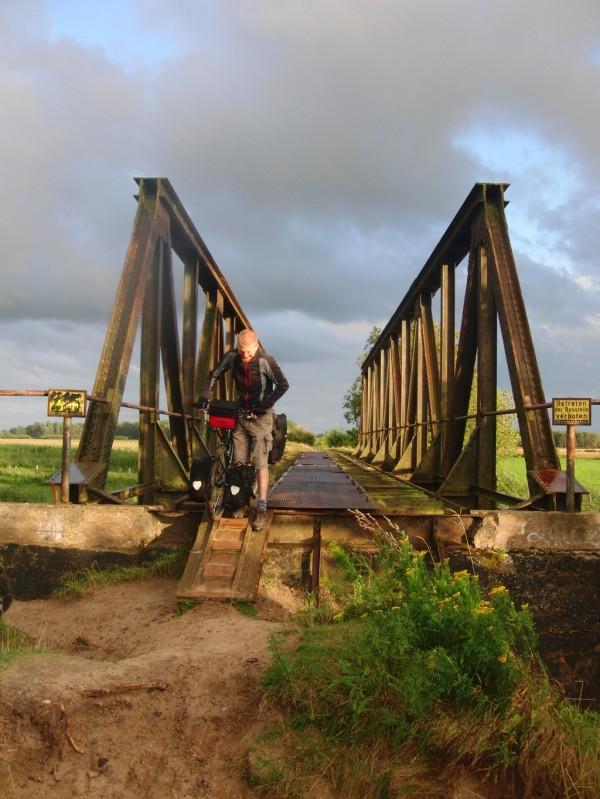 Diese Brücke war einmal eine Eisenbahnstrecke