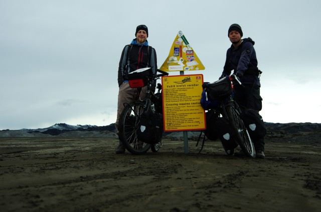 """""""Gipfelfoto"""": wir haben die Schwemmlandflächen erfolgreich durchquert."""