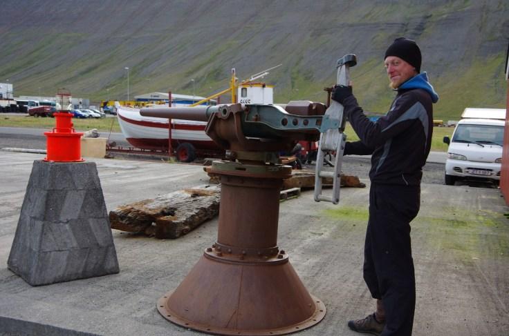 Island und der Walfang. Ein weitaus ernsteres Thema, als ich es hier darstelle.
