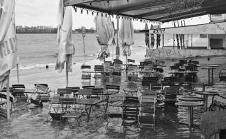 Überflutete Strandperle.